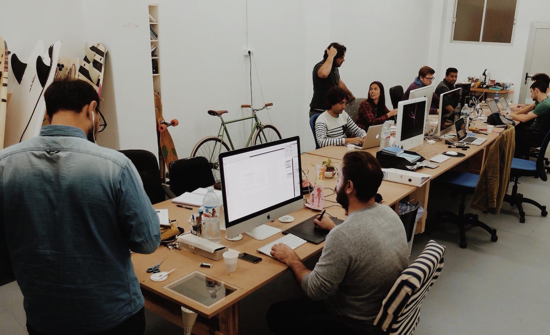 Image D Un Bureau De Travail bureau à partager : la nouvelle tendance collaborative