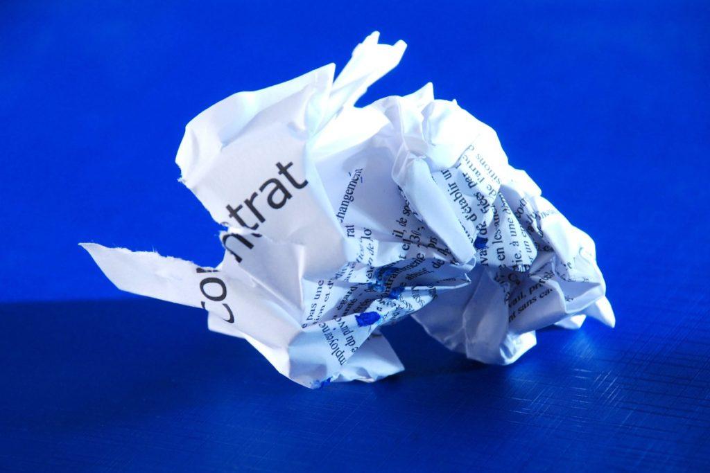 comment-resilier-son-contrat-dassurance-commerce